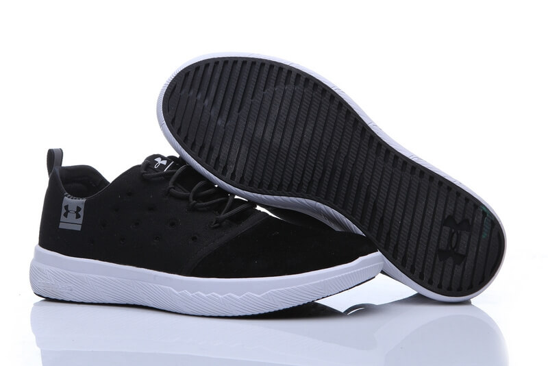 UA Charged 24/7 Low Leather Black