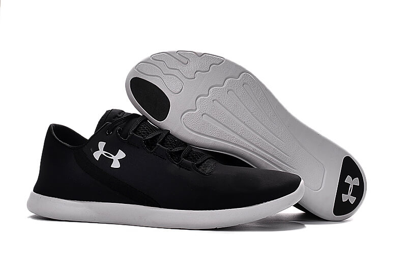 UA SpeedForm® StudioLux™ Black/White