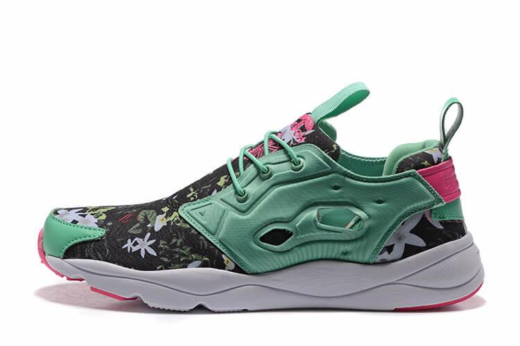 53ec20009146 Reebok FURYLITE GRAPHIC Sales Online   Reebok Classic Running Shoes